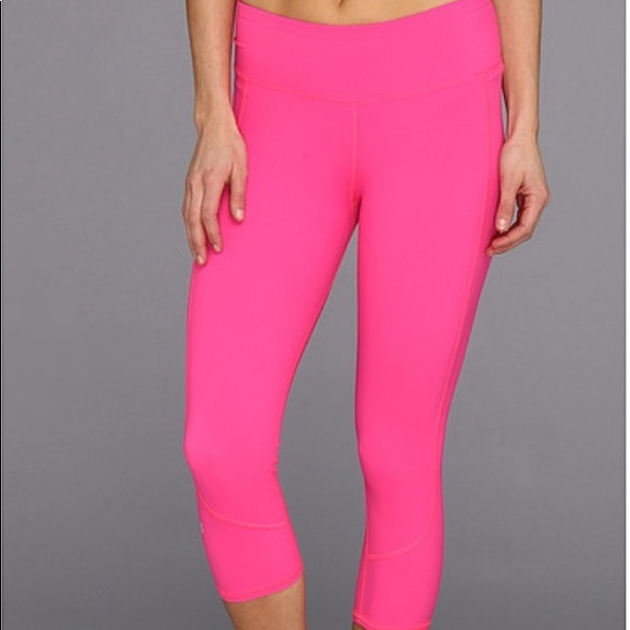 d7b7905399 Under Armour Hot Pink Studio Capri L